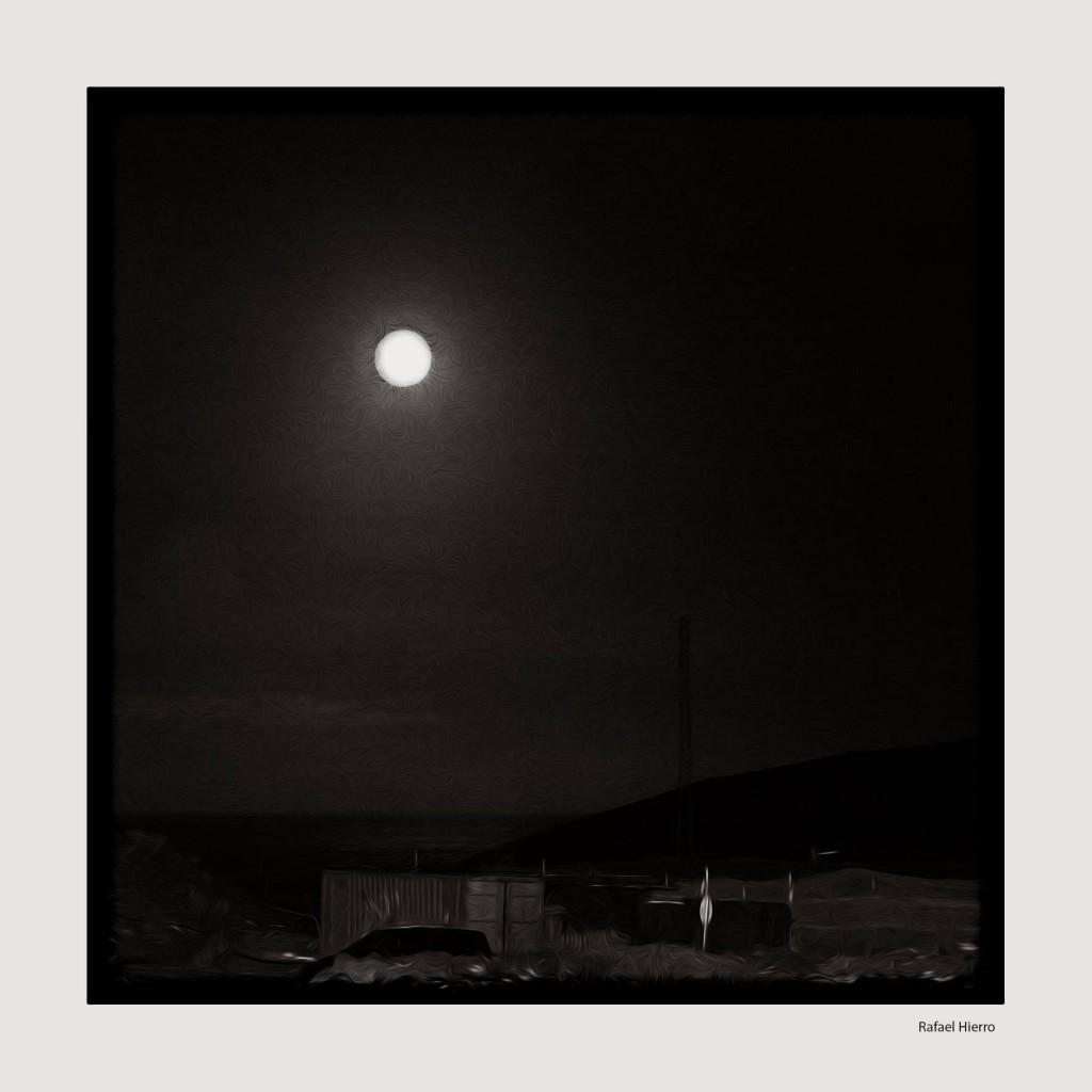 Luna Azul 2015. La luna sobre la memoria. Rafael Hierro.