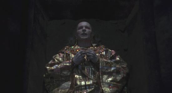 8. Dracula-Tunica-Dorada-Klimt. Drácula de Bram Stoker