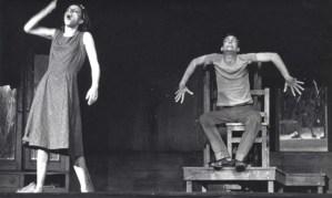 La noche de los asesinos, entre ficción y realidad. Una pesadilla de noches sin estrellas. Artículo de la escritora Anna Calvanese sobre la obra teatral del autor cubano José Triana.