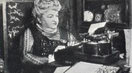 Emilia Pardo Bazán en su despacho de la Torre de Meirás
