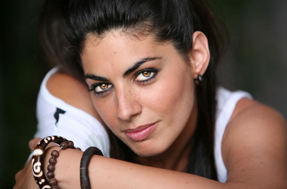 Nya de la Rubia, de Sevilla y Triana, cantante y actriz, camino del éxito