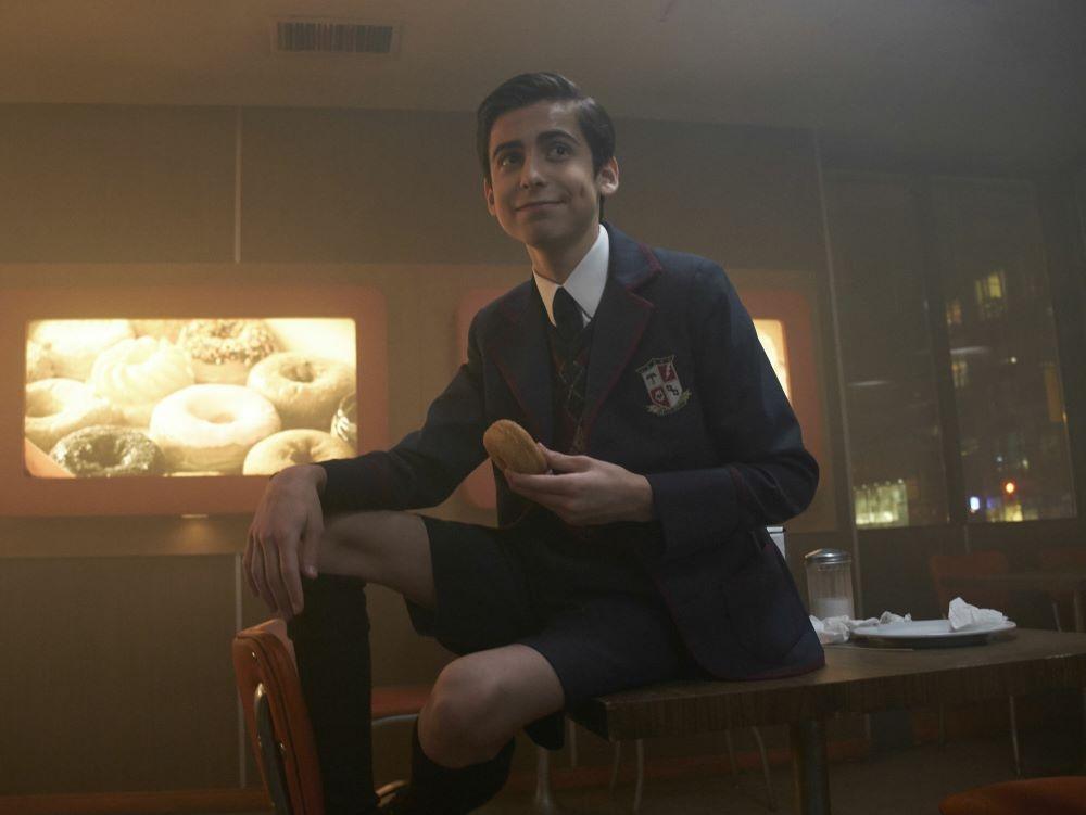 Crítica de The Umbrella Academy: Netflix apuesta por los superextraños 4