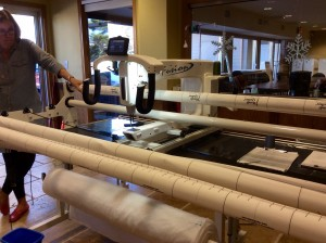 Handi Quilter longarm quilting machine empty full shot