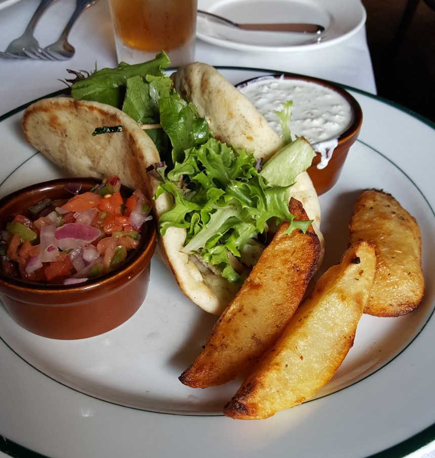 Theo's Taverna food