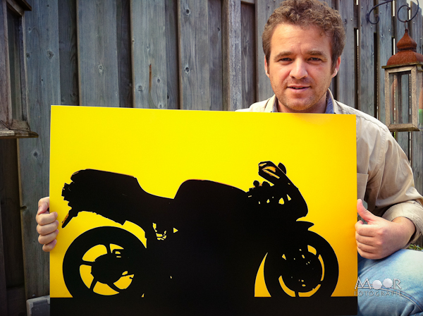 Winnende Foto Creatief met Foto Tegenlicht Strobist Ducati Zwart Geel