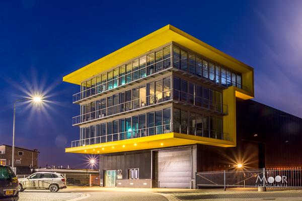 Woordloze Woensdag Geel Yellow Blauw Blue Hour Haven Merwede Werkendam Lange Sluitertijd Avond Nachtfotografie