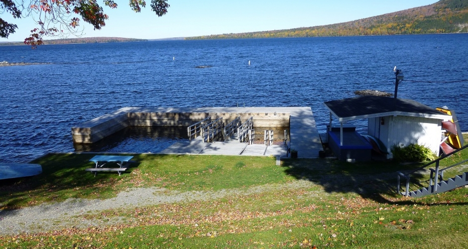 Rockwood Cottages Dock in Fall