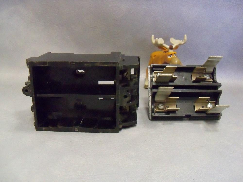 medium resolution of 30 amp fuse block r 1982 1 w r 1982 lid ite walker
