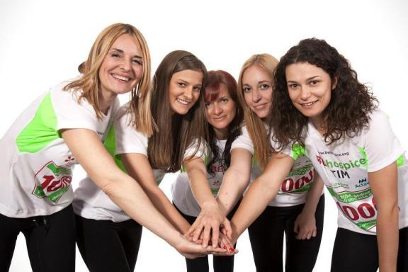 Ženski deo BELhospice tima (s leva: moi, Ivana Todorović, Sasha Tucaković, Ana Stojanović, Ivana Ćosić