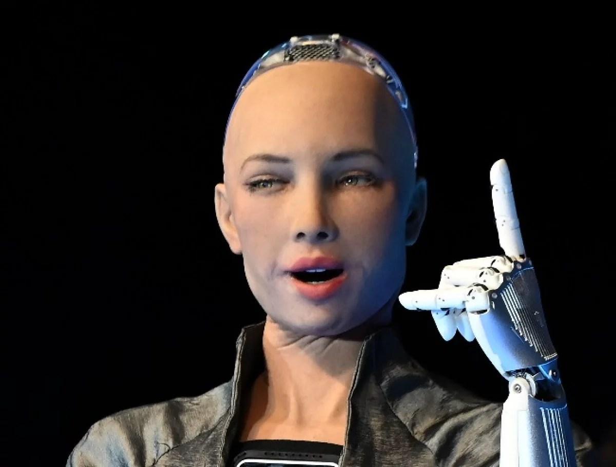 Sophia, la robot humanoide, será producida masivamente para hacer compañía a los solitarios en cuarentena