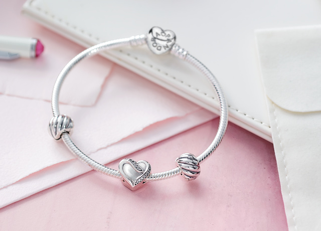 Review Feathered Clips From Pandora Valentines 2016