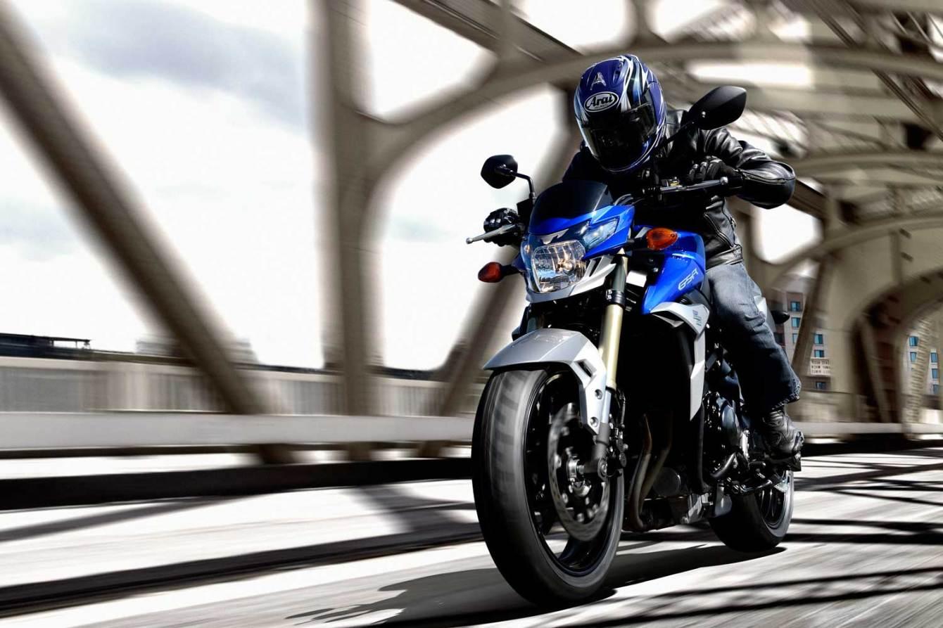 2014-Suzuki-GSR750