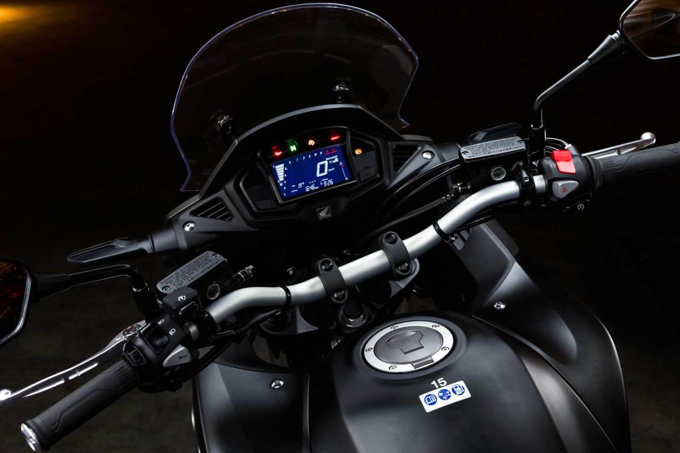Honda-VFR800X-Crossrunner-012