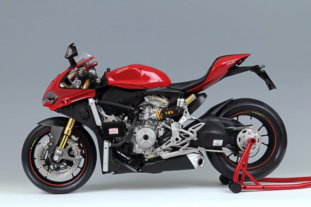 WIN A Pocher Model Ducati Superbike 1299 Panigale S 1 4