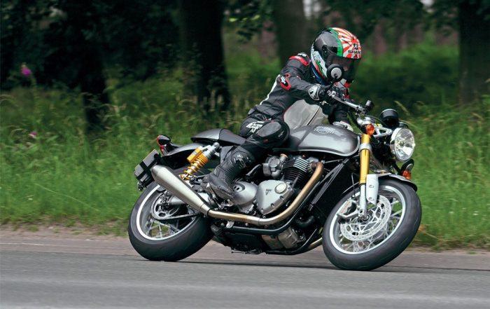 The sporty side of Bonneville 2017 Triumph Thruxton 1200R