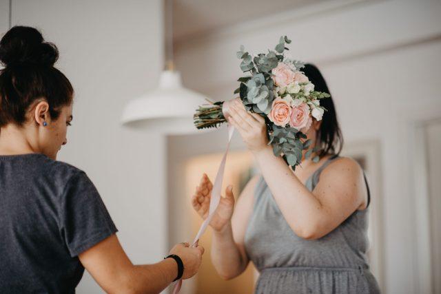 svadbeni buket eukaliptus ruže