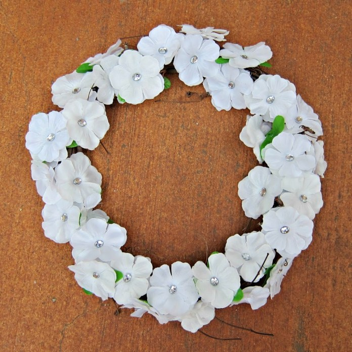 Dollar-Store-Crafts-Wreath