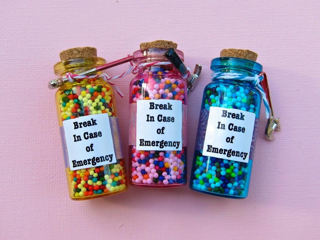 Hilarious Emergency Candy Jar Gift Diy Morena S Corner