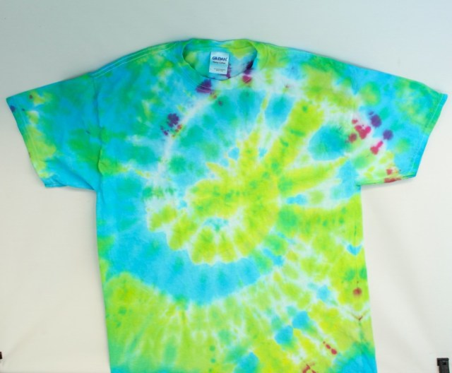 Have fun this summer tie-dying with your kids.