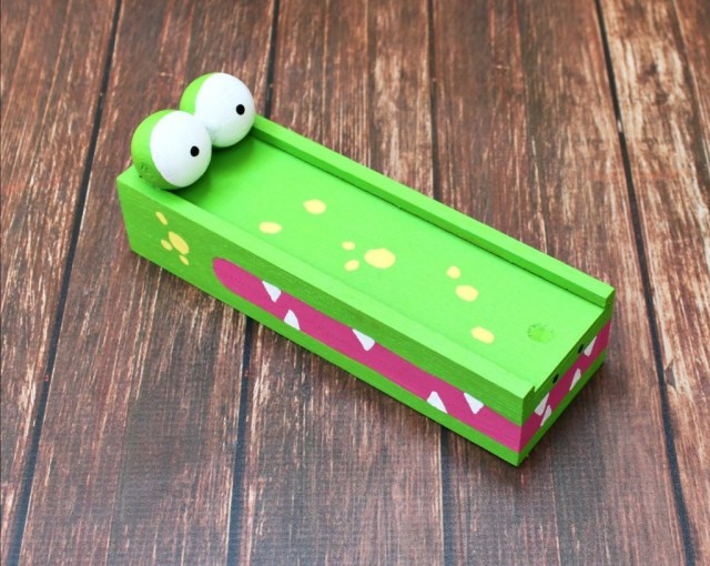 Alligator Pencil Box Tutorial