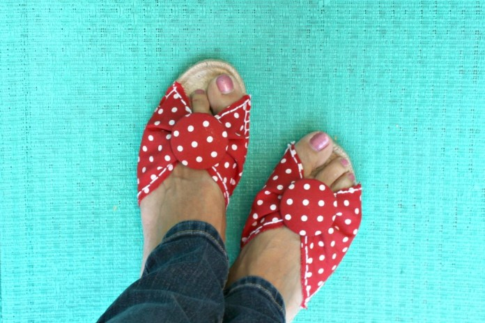 These are my new favorite shoes! They're so easy to make that I can make several in lots of different colors and patterns.