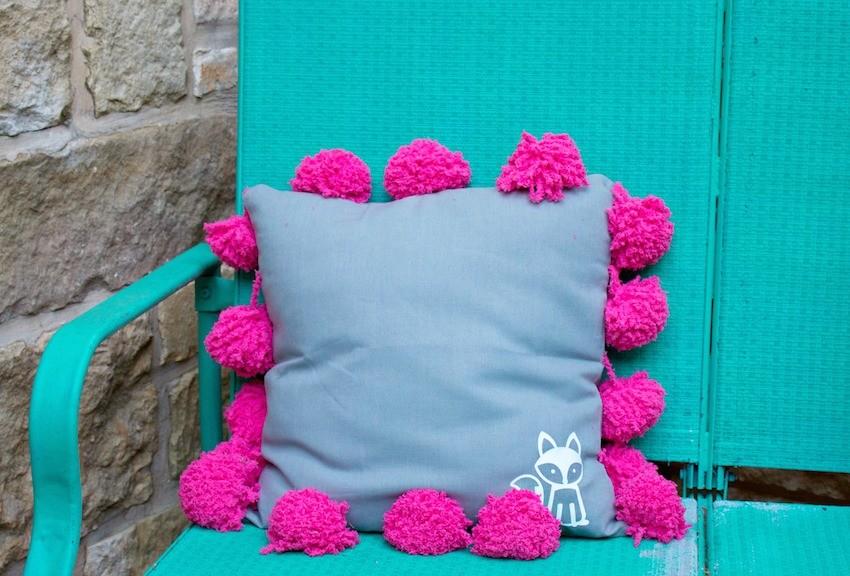 Pom Pom Pillow Tutorial