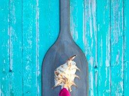 Wood paddle hanger DIY