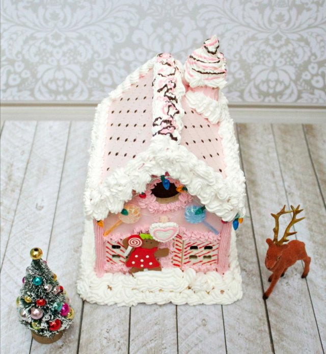 candy-house-roof