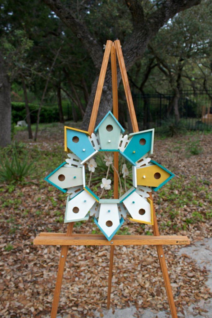 use birdhouses to make a wreath