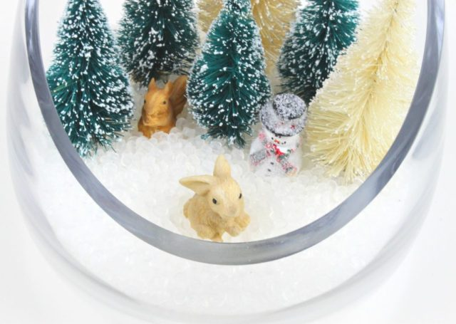 Here are three miniature snow globe projects that took less than an hour to make all together. Once you start it is hard to stop!