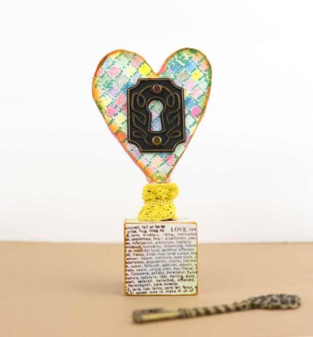 Today I'm sharing a key to my heart decor DIY idea that would make a thoughful gift.