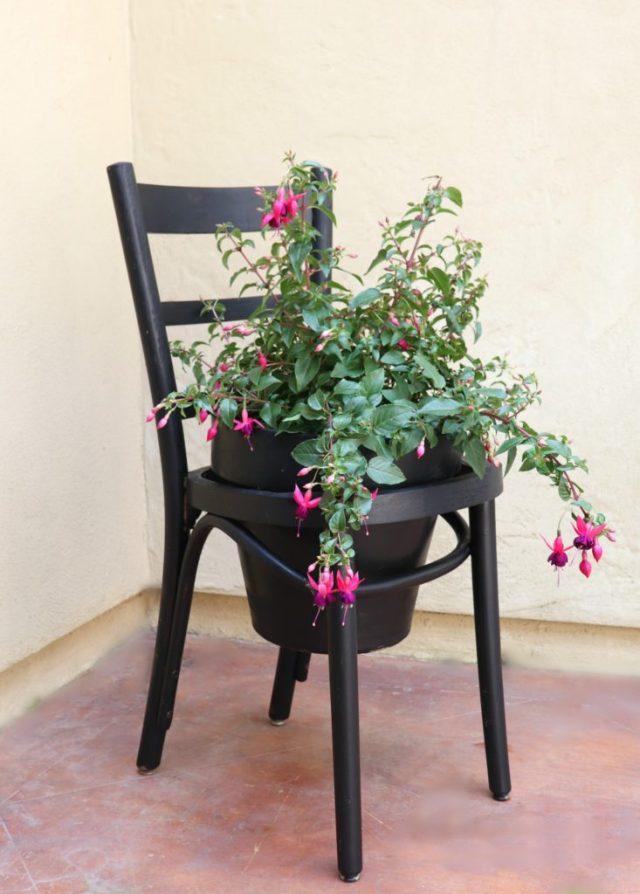 Make a terra cotta pot chair planter in a jiffy.