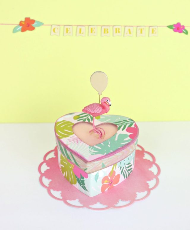 Flamingo party favor boxes are perfect for summer gatherings!
