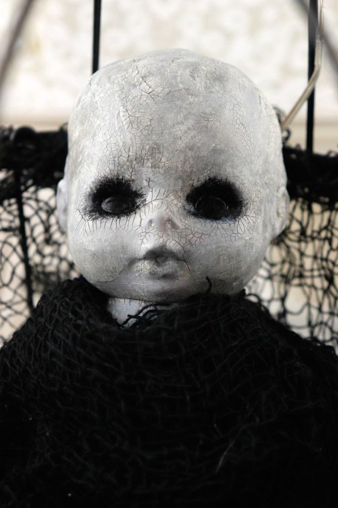 Creepy Doll Light DIY