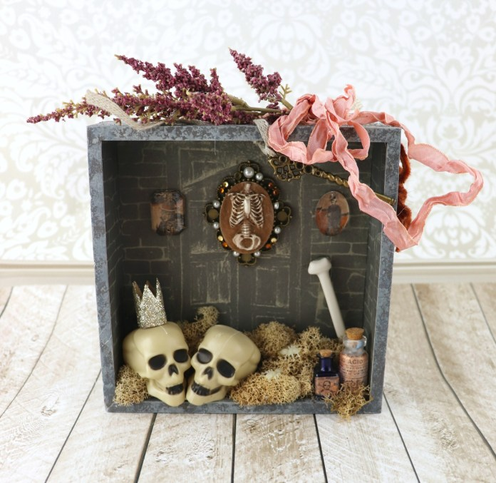 Halloween Shadow Box Decor Tutorial
