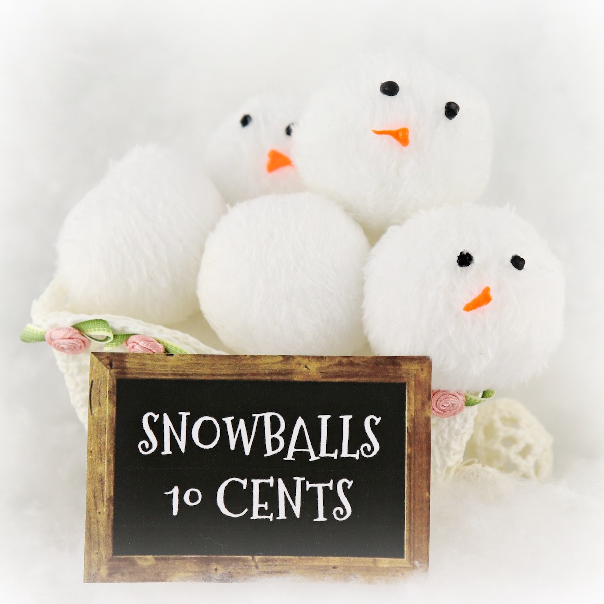 DIY fabric snowball bucket