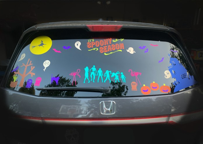 diy Halloween vinyl on car