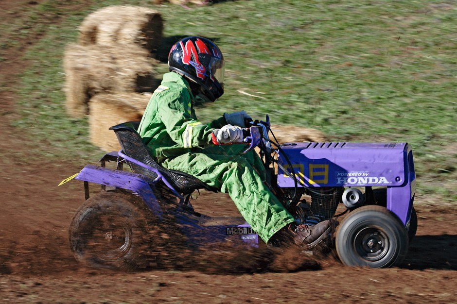 2007_swifts_creek_lawnmower_races03