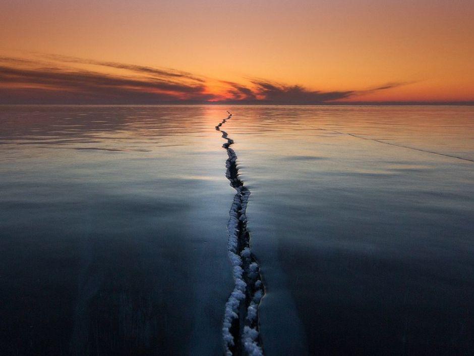 lake baikal crack