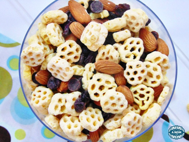 Post Honeycomb cereal party mix recipe