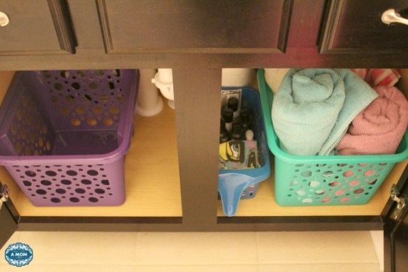Keep your bathroom organized with these simple tips!