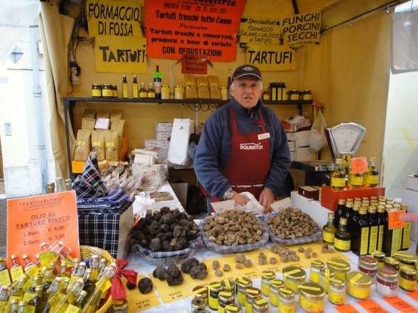 Visiting a truffle fair in Emilia Romagna