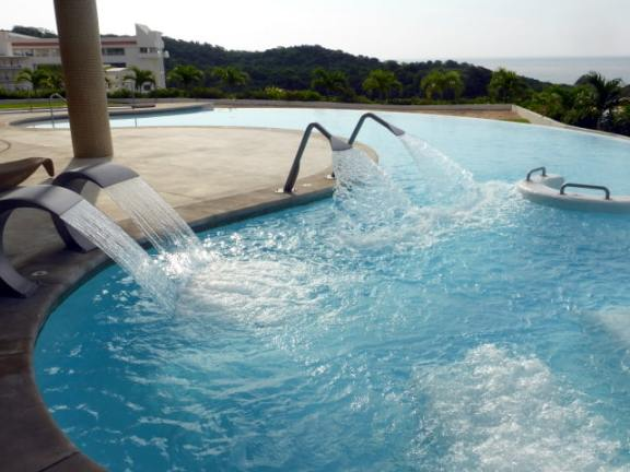 Hydrotherapy circuit at Secrets Huatulco