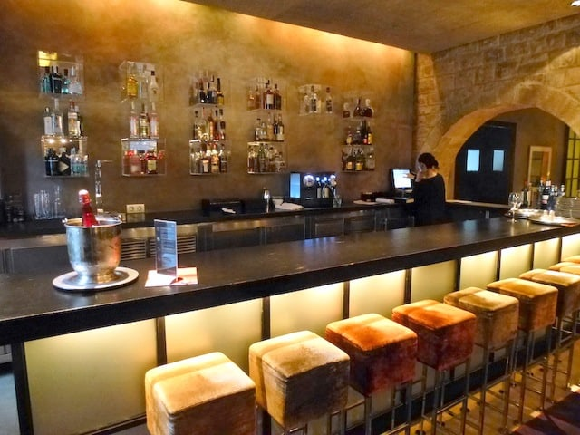 The elegant bar at Hotel Neri