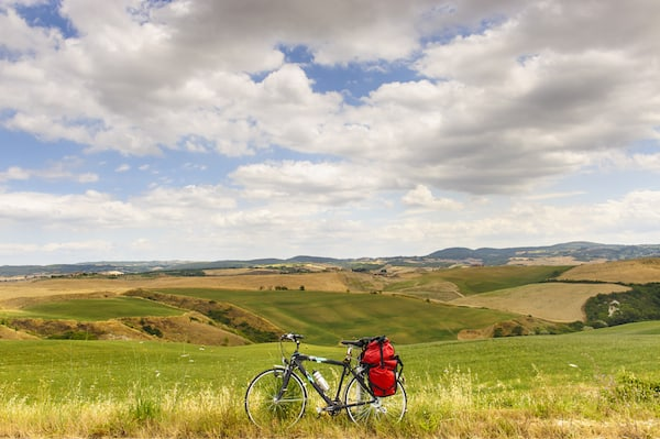 Bicycling in Tuscany (Photo credit: TourRadar.com)