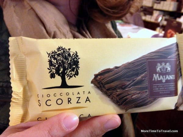 Scorza, the first solid chocolate