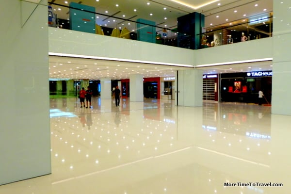Clean, contemporary design at Harbour City mall in Hong Kong