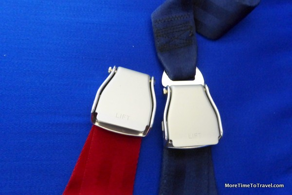 Seatbelts on China Eastern Airlines
