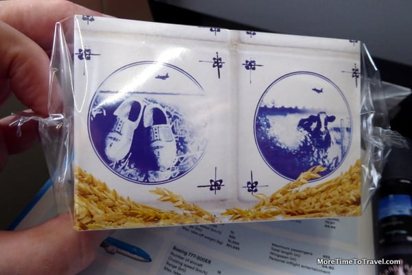 Delft blue packaging