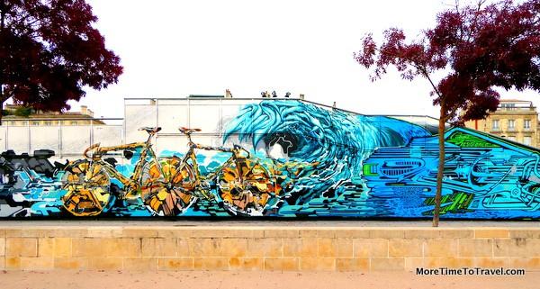 Wall around the skate park